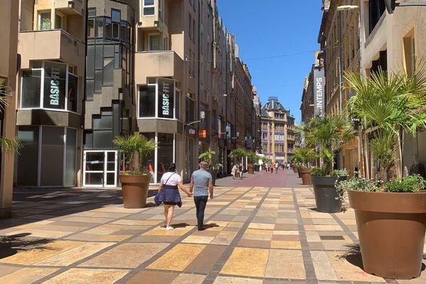 Très peu de commerces ont choisi d'ouvrir leurs portes en ce dimanche 30 mai à Metz.