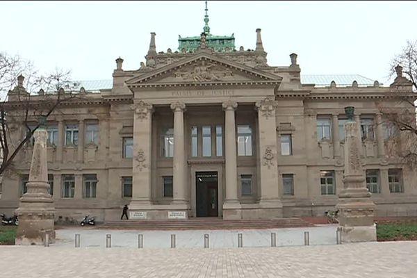 Le procès, qui a lieu au Palais de justice de Strasbourg, dure dure jusqu'au 29 novembre.