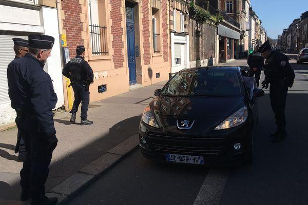 Rouen le 17 mars 2020 - 14h20 : premiers contrôles dans le centre-ville, rue Lecanuet