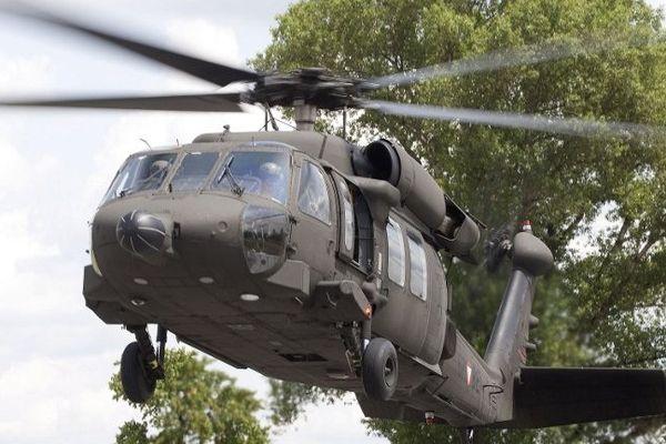 """Un hélicoptère """"blackhawk"""""""