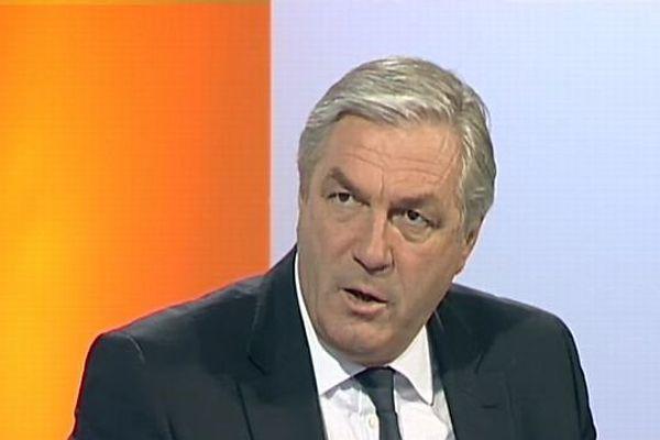 François Sauvadet s'oppose au redécoupage des cantons imaginée par la gauche.