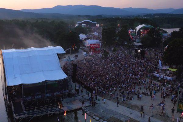 Le site du Malsaucy, en plein festival des Eurockéennes de Belfort, le vendredi 3 juillet 2015.