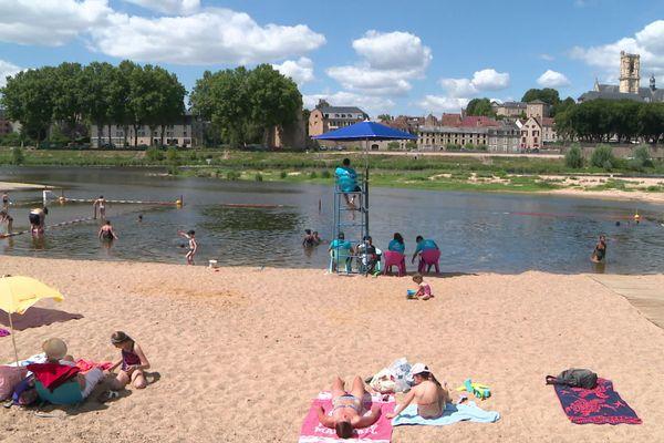 En bords de Loire, Nevers Plage a été maintenu en cet été 2020 malgré le coronavirus.