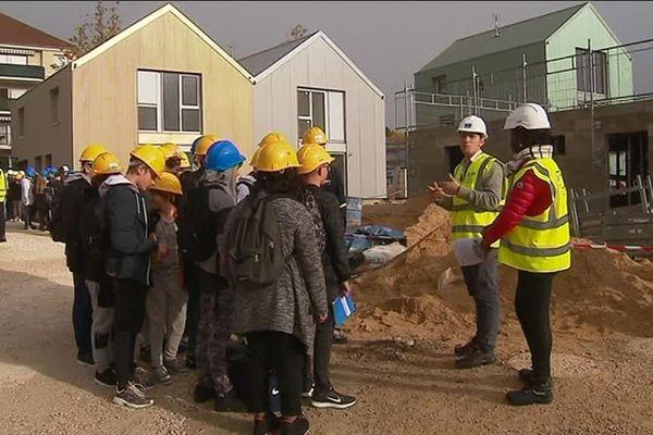 Des collégiens de Côte d'Or visitent un chantier à Dijon dans le cadre des Coulisses du bâtiment.