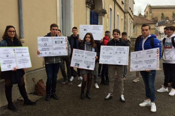 Les 15 lycéens de terminale Bac Pro Commerce du lycée de Mirande dans le Gers ont tous refusé de passer leur épreuve de bac blanc ce jeudi.