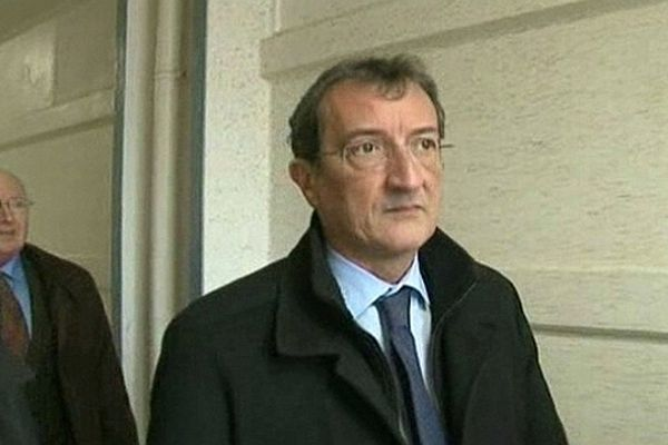 Nîmes - François Lamy, le ministre de la ville en visite dans le quartier de Pissevin - 1er mars 2013.