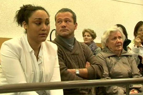 Lucie Dalmasso et sa grand mère sur le même banc de la partie civile