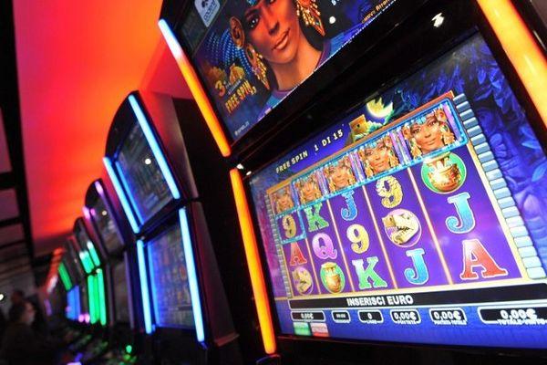 24 machines bingos et jeux tactiles ont été saisis.