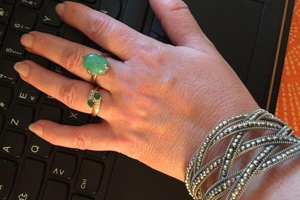Des mains lavées....oui mais avez vous pensé à nettoyer vos bijoux ?