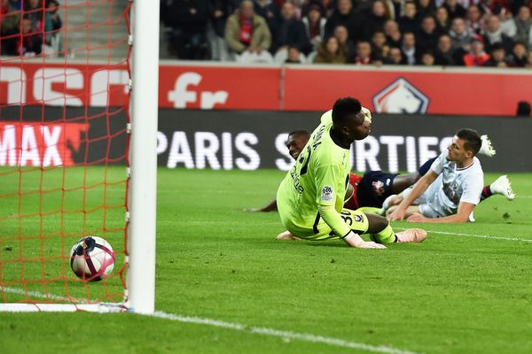 Football Ligue 1, 11e journée, Lille / Caen. Stade Pierre-Mauroy (1-0)