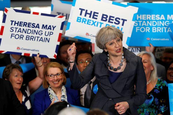 La Première ministre conservatrice Theresa May en campagne