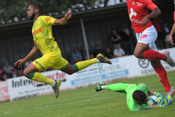 Le milieu de terrain du FC Nantes, Marcus Coco, détecté positif au covid-19