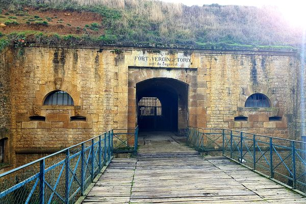 L'entrée du fort du Cognelot à Chalindrey en Haute-Marne