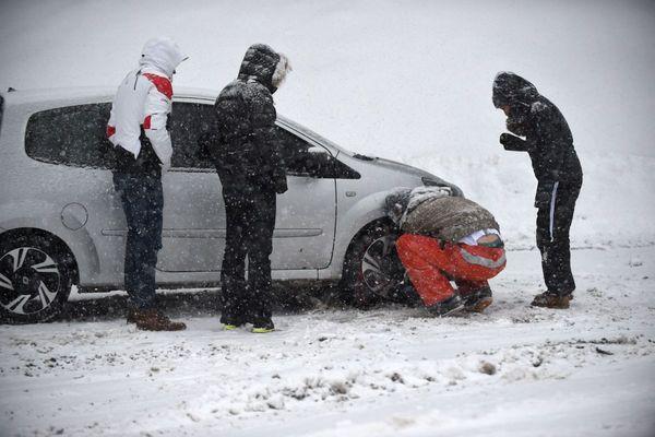 A partir du 1er novembre, les véhicules circulant en Haute-Loire devront avoir des équipements spéciaux pour la période hivernale.
