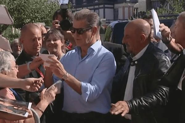 Pierce Brosnan à son arrivée à l'hôtel Normandy ce jeudi après-midi