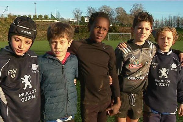 Des jeunes du Rugby club de Guidel (56)