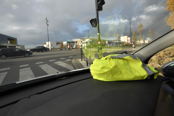 Un important trafic de cannabis a été démantelé en début de semaine. Les trafiquants utilisaient un gilet jaune pour transporter la marchandise.