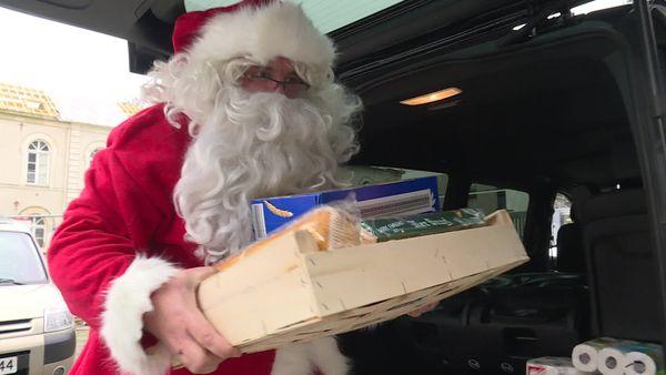 Ce vendredi , les livreurs se sont déguisés en Père Noël.
