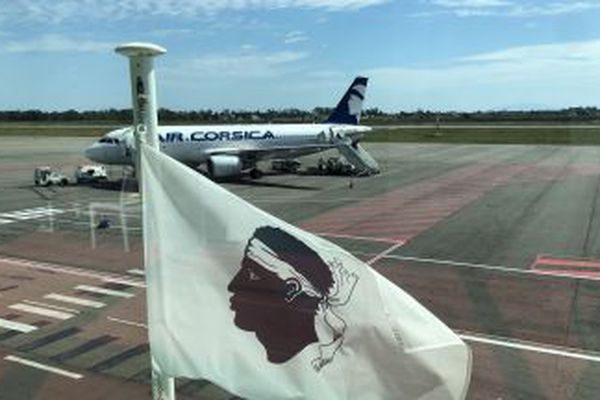 Un appareil d'Air Corsica sur le tarmac de Poretta