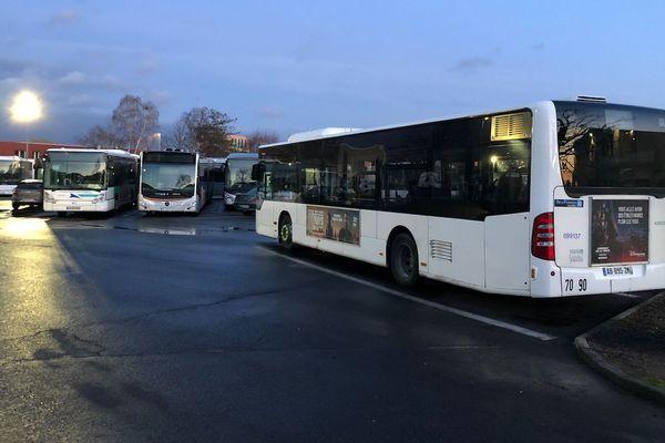 De nombreux conducteurs de bus ont exercé leur droit de retrait, inquiets de la propagation du coronavirus.