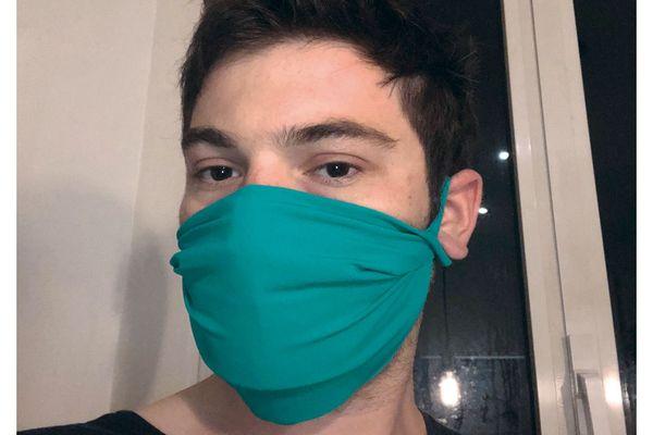 """Les masques en tissu """"Pain de Sucre"""" sont anti-projections et réutilisables."""