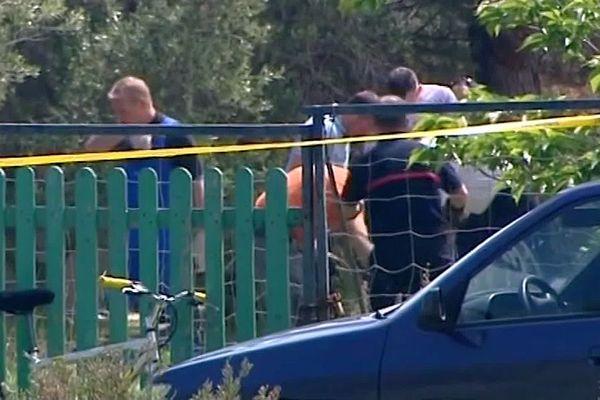 La Palme (Aude) - un véliplanchiste découvre le corps de Johan de Cock, dissimulé dans un puisard. La victime, un marginal âgé de 30 ans, présente une blessure mortelle à la tête - 8 mai 2012.