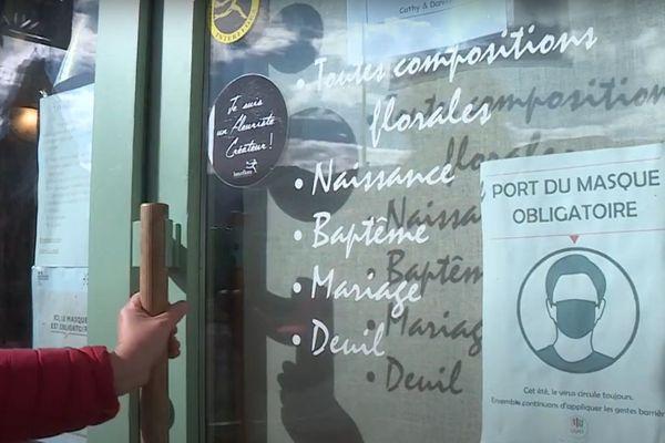 A Lans-en-Vercors, les commerces non-alimentaires peuvent rester ouverts, grâce à un arrêté municipal.