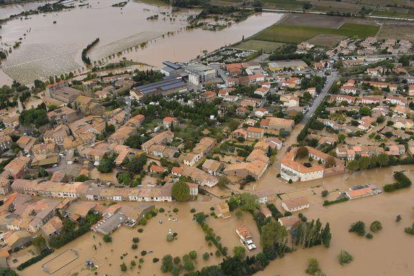 Le village de Puichéric, dans l'Aude, inondé, le 15 octobre 2018.