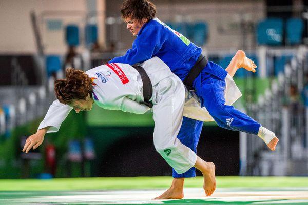 Sandrine Martinet, en bleu, en finale des Jeux Paralympique de Rio 2016