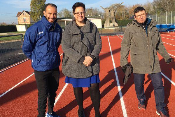 """Dans l'Aube, la commune de Romilly-sur-Seine, avec son stade Bardin-Gousserey, a été labellisée """"Terre de Jeux 2024"""". De quoi réjouir le RS10 section féminine et son président, Jean-Paul Paloulack (à droite)."""