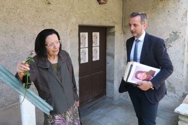 La mère de Lucie Roux avec son avocat Maître Christian Saint-André