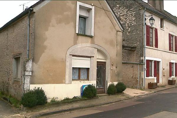 La maison où s'est installé le couple à Saint-Cyr-les-Colons.