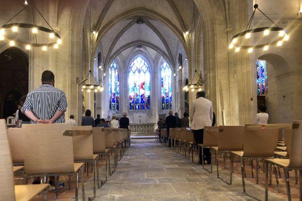 Une semaine après l'incendie de la Cathédrale de Nantes, les fidèles avaient rendez-vous à la chapelle de l'Immaculée pour la messe dominicale.