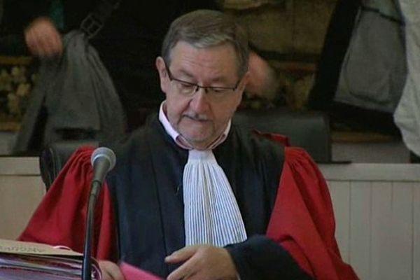 Joël Montcriol a pris la tête de la cour d'Assises à Riom en 1990. Où il a dirigé plus de 500 procès criminels. Un juge strict. Un homme unanimement apprécié par ses pairs. Qui a retrouvé aujourd'hui sa liberté de parole et fourmille de projets.