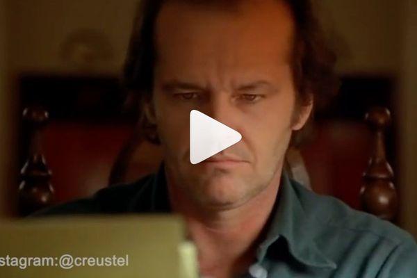 Un compte instagram parodie les films classiques pendant le confinement. Dans cet extrait de Shining, Jack Nicholson doit remplir son attestation de sortie.