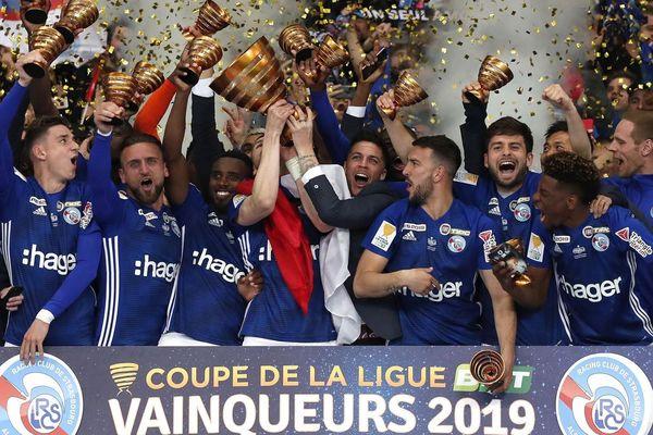 La joie des hommes de Thierry Laurey au moment de soulever le trophée