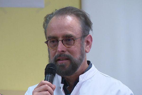 Professeur Denis Malvy, expert infectiologue au CHU de Bordeaux et membre du Conseil scientifique auprès du ministre de la Santé