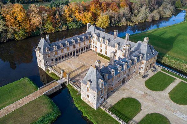 Le château du Rocher Portail pourrait accueillir le parc d'attractions Avalonys à l'horizon 2022.
