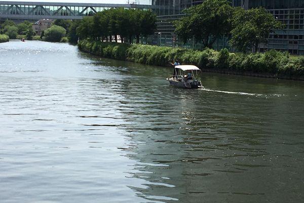 La gendarmerie fluviale a été mobilisée pour poursuivre les recherches.