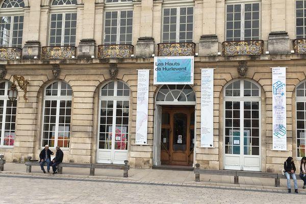 A Nancy, place Stanislas, devant l'Opéra national de Lorraine en avril 2019