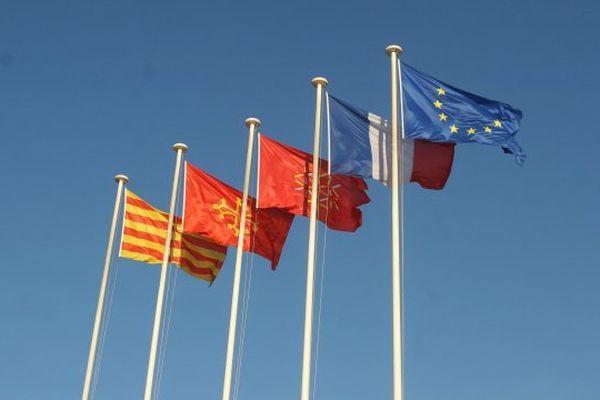 5 noms sont en compétition : Languedoc, Languedoc-Pyrénées, Occitanie, Occitanie-Pays Catalan, Pyrénées Méditerranée.