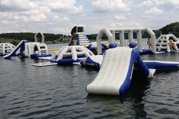 Les jeux aquatiques sur le lac du Val Joly