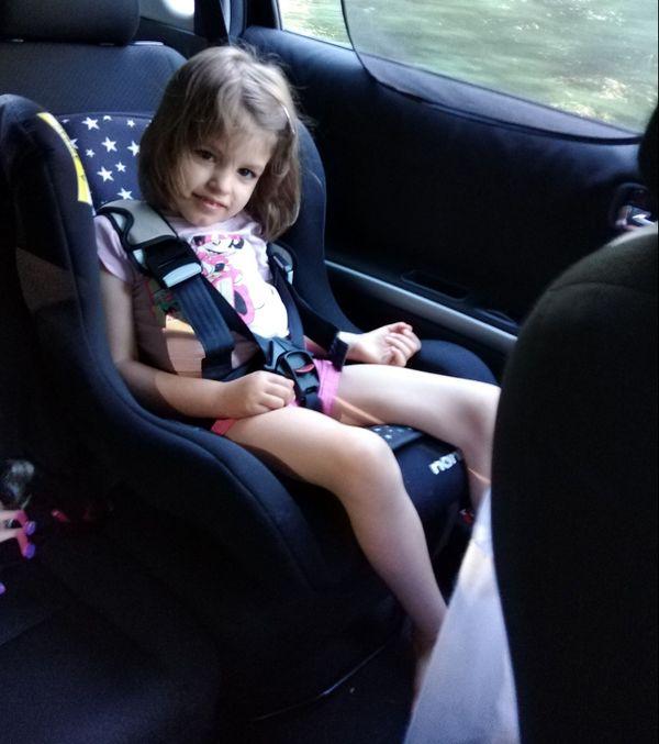 Lexane aura prochainement besoin d'un véhicule adapté pour transporter son fauteuil roulant.