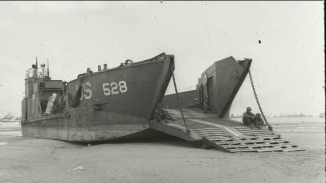 Utah beach 50 une barge pour le mus e france 3 basse normandie - Journal basse normandie ...