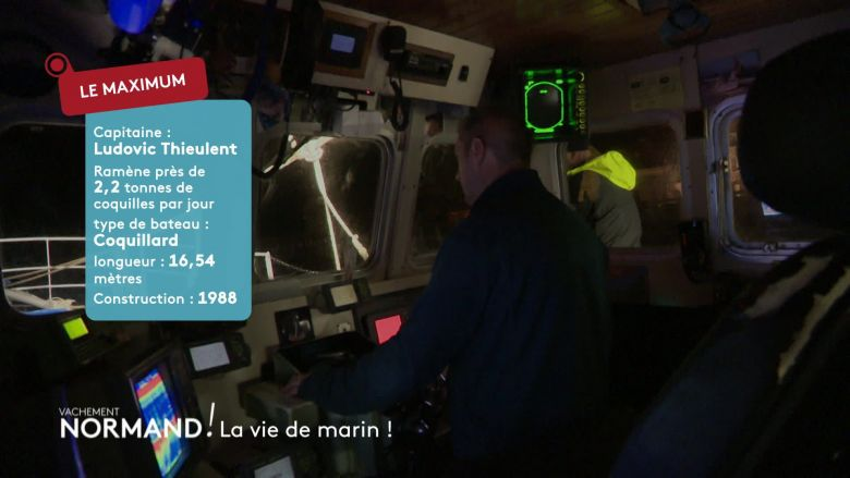 Vincent Chatelain en immersion avec Ludovic, un marin pêcheur / © France 3 Normandie / Media TV
