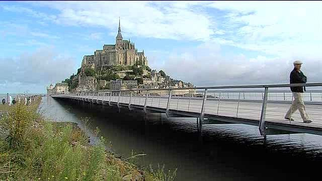 mont saint michel de l 39 eau sous les pieds des promeneurs france 3 basse normandie. Black Bedroom Furniture Sets. Home Design Ideas