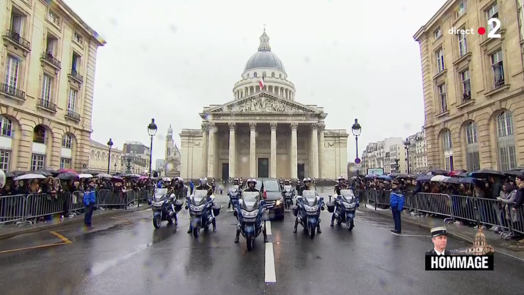 L'hommage au colonel Beltrame, en direct des Invalides
