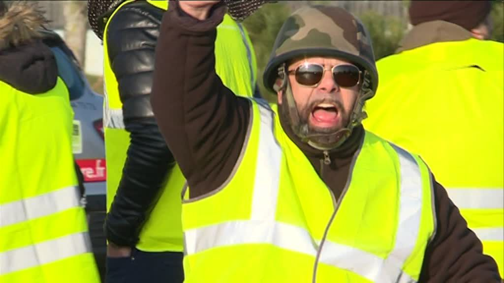 Image result for les gilets jaunes