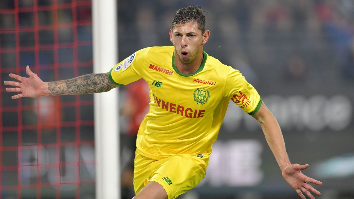 [Direct] : Un avion transportant la star du FC Nantes Emiliano Sala disparaît au large d'Aurigny