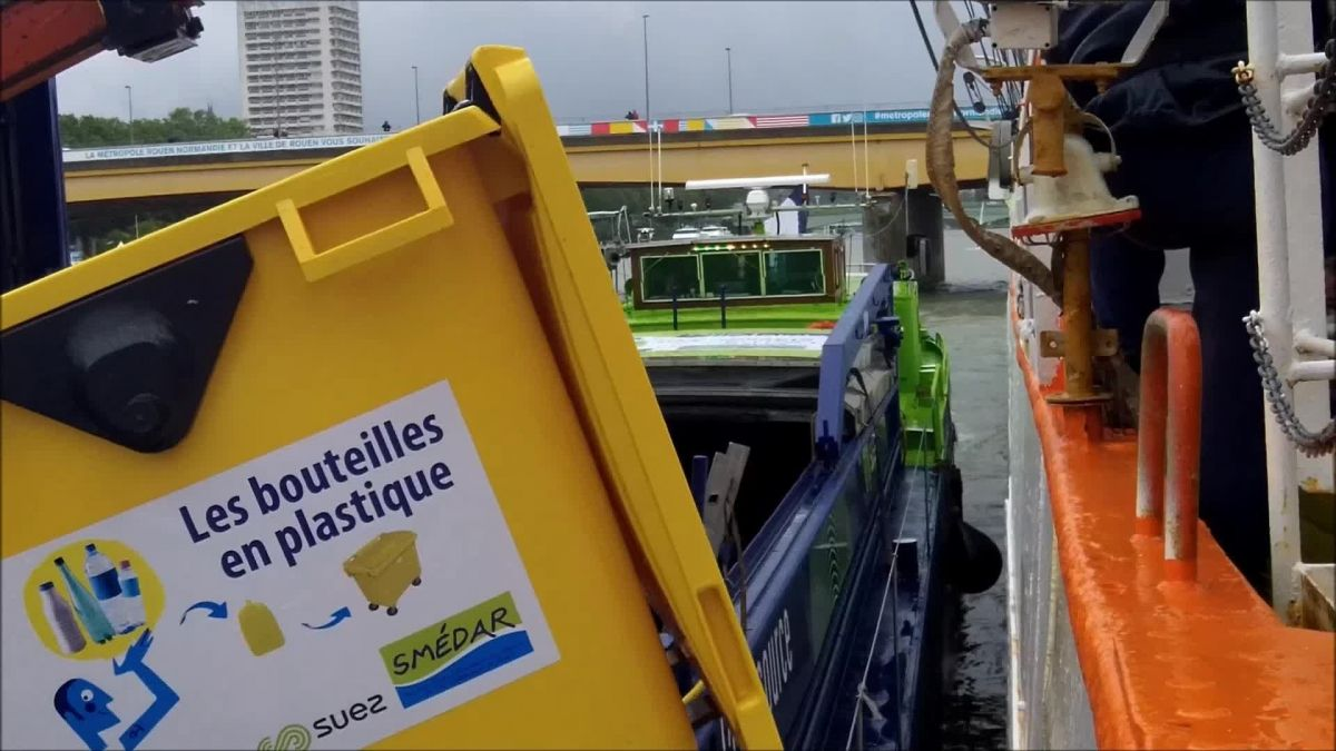 Rouen le 7 juin 2019- Collecte de déchets à bord du Sedov / © Photo : Richard PLUMET / France 3 Normandie